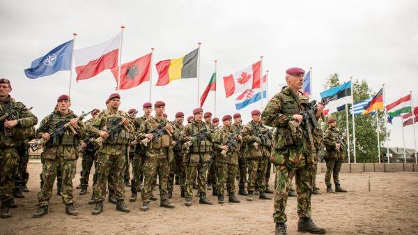 """美专家:北约保卫欧洲只是""""白日梦"""""""