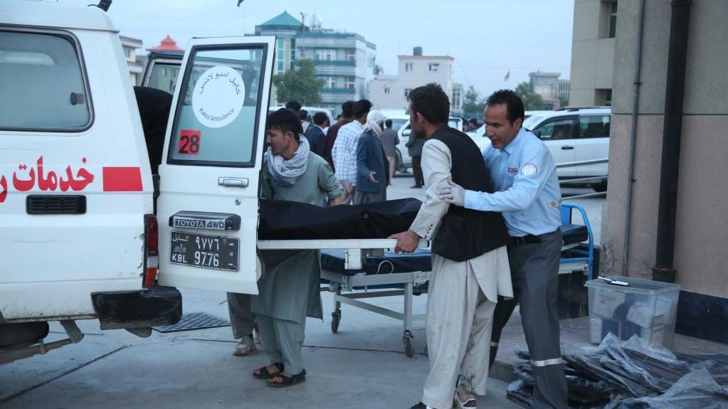 阿富汗首都一学校附近发生连环爆炸