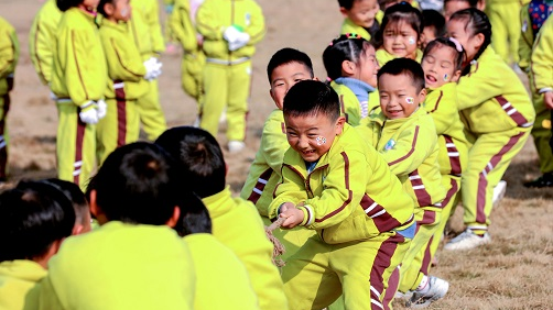 中国公布人口普查数据引外媒热议
