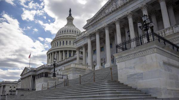 """外媒:美参议院商务委员会通过""""无尽前沿法案"""""""