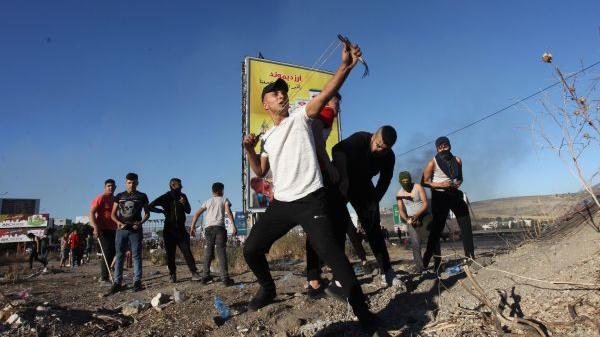 外媒观点:加沙之战让以巴各取所需