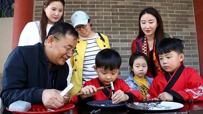 """港媒报道:中国年轻人不再爱做""""西方梦"""""""