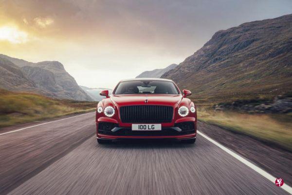 新款宾利飞驰V8从零到时速百公里加速只需4.1秒。(新加坡《联合早报》网站)