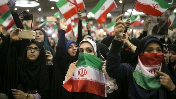 外媒:伊朗批准七人角逐总统