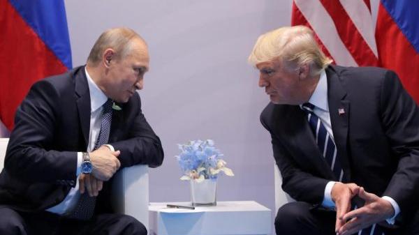 从对抗到荒诞的幽默:俄美首脑历年会晤充满戏剧性
