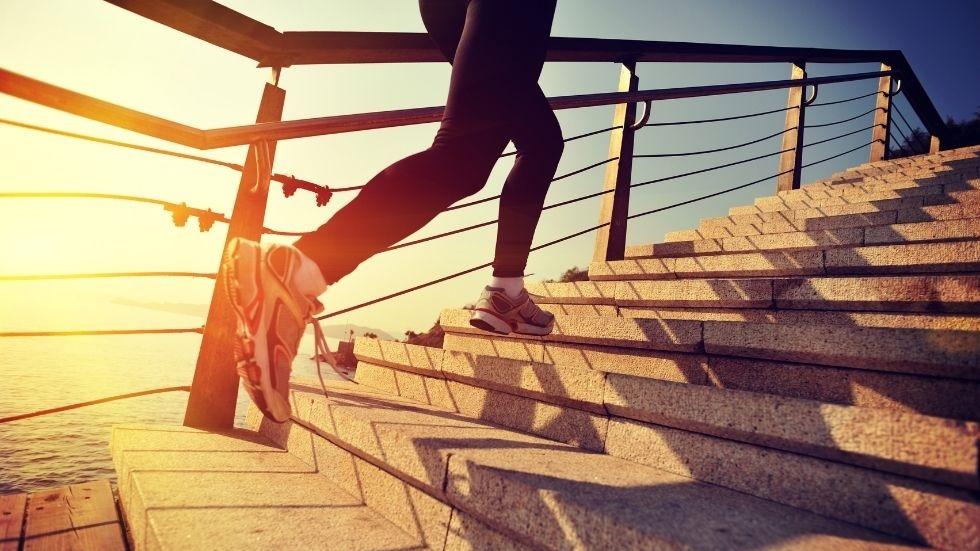 研究发现:爬楼梯有益心脏
