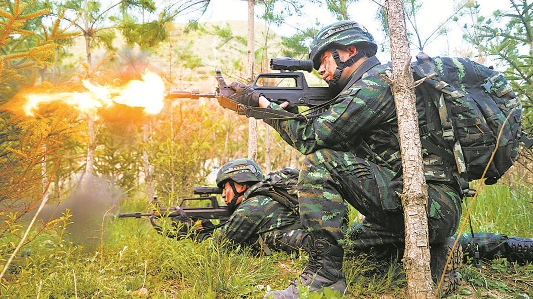 火力压制!武警青海总队机动第一支队实战演练
