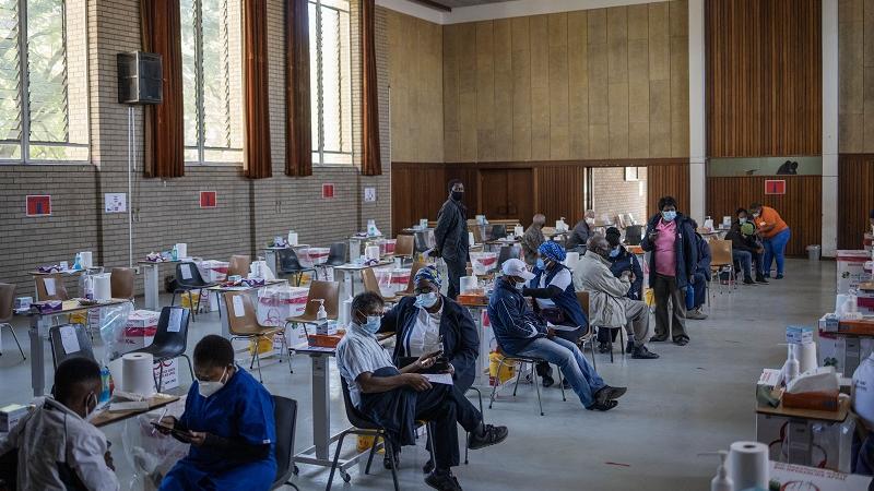 外媒:南非欢迎世卫批准中国科兴疫苗作紧急使用