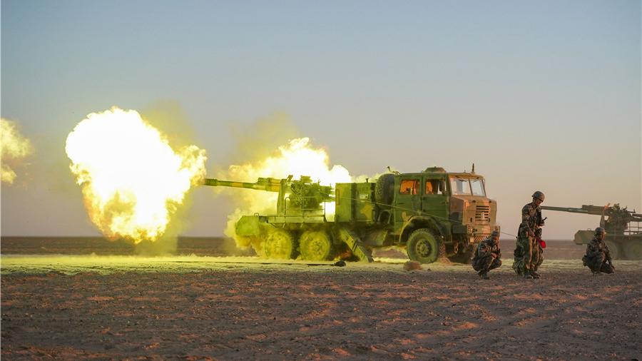 战神轰鸣!看72集团军合成旅卡车炮实弹打靶