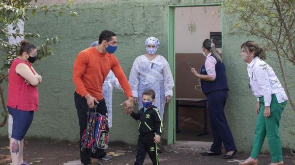 美媒:中国疫苗让巴西小城回归正常