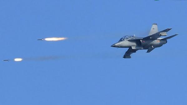 实弹打靶!看空军飞行学院学员练对地攻击