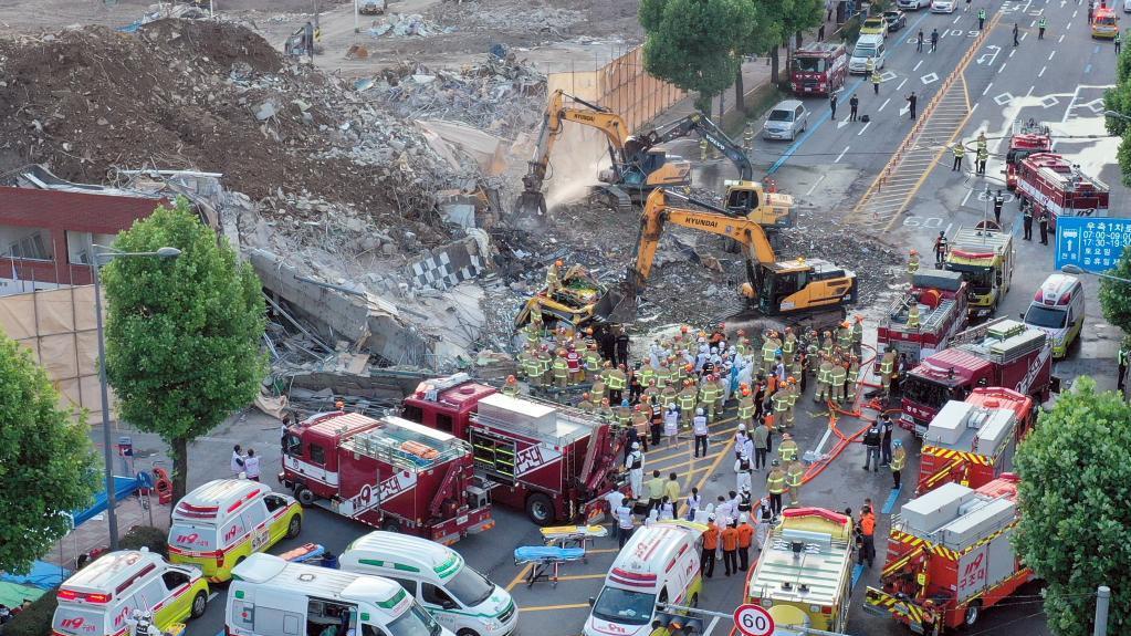 韩国光州一建筑倒塌造成9人死亡