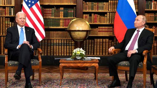 """普京与拜登面对面会谈 俄方称普京将对美划下""""红线"""""""