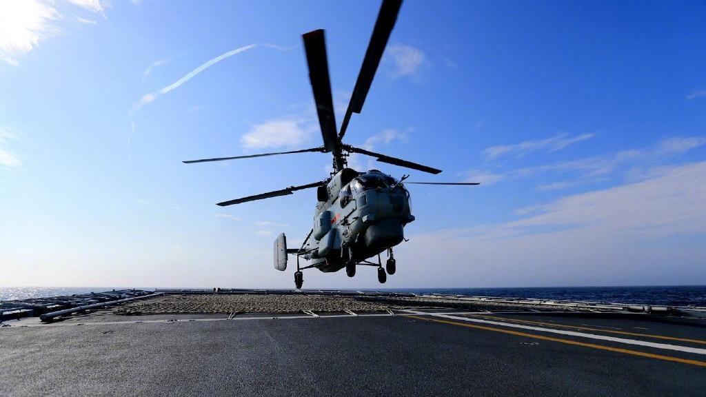 海空协同!看东部战区海军舰艇编队实战演练