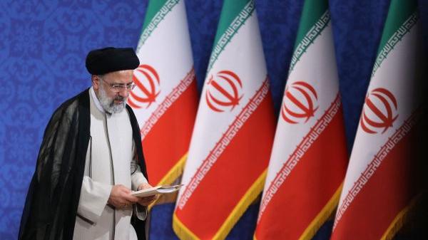 """外媒:伊朗当选总统要推行""""平衡外交"""""""