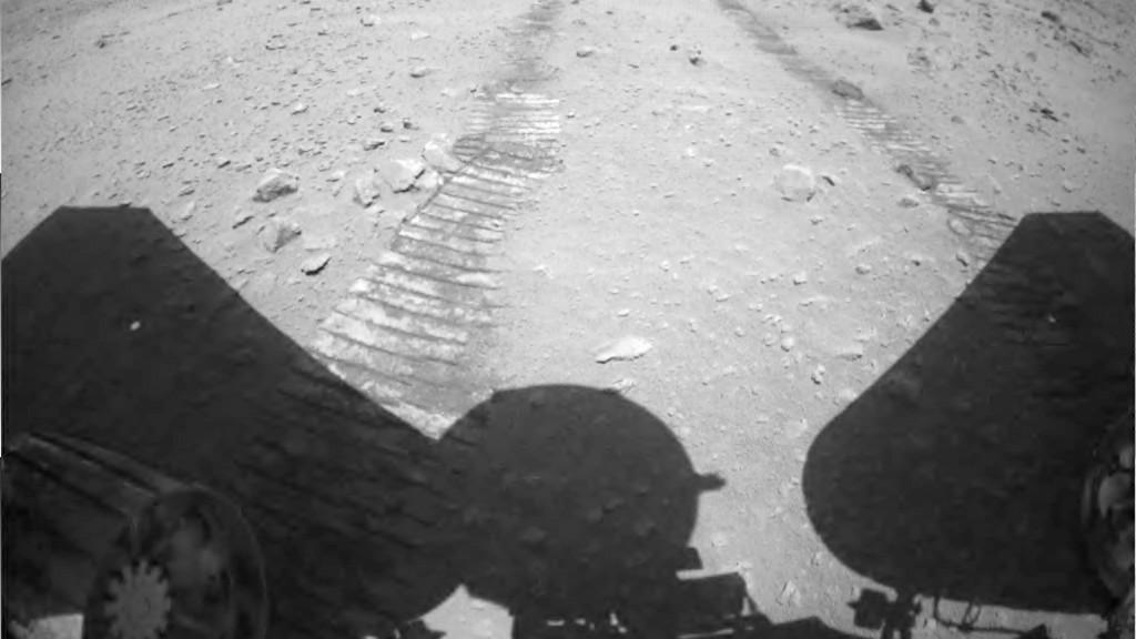 國家航天局發布天問一號任務著陸和巡視探測系列實拍影像