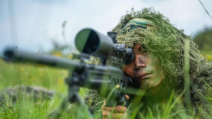 """""""狙击精英""""!看南部战区陆军某旅狙击兵训练"""