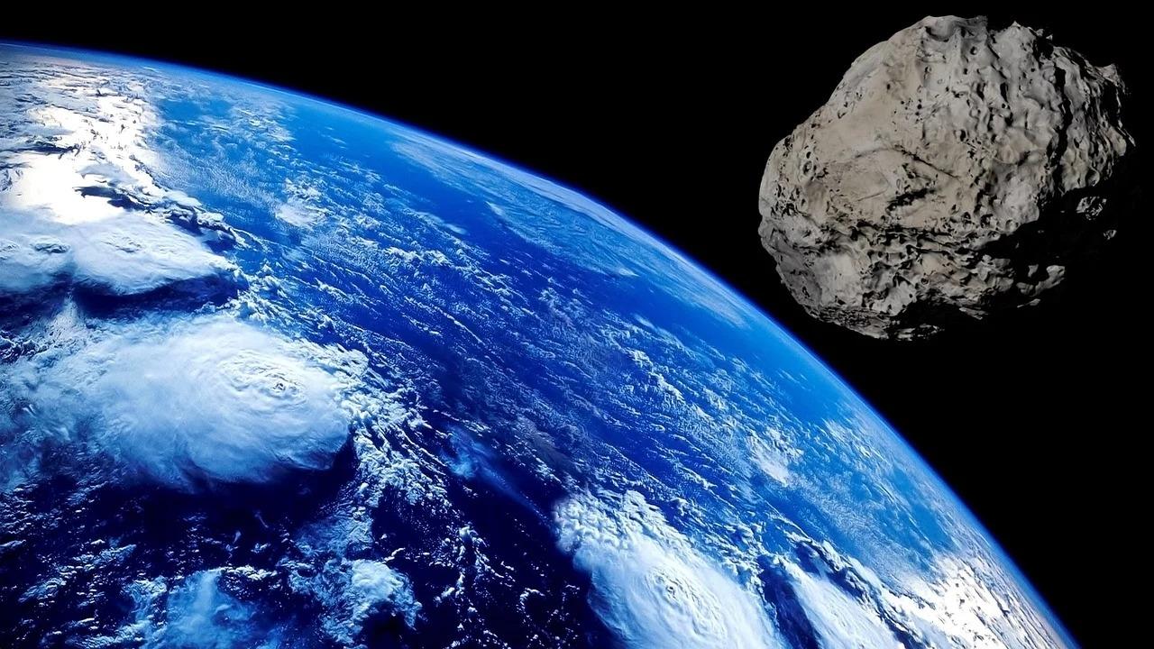 """德媒关注:中国科学家研究用""""长五""""撞歪来袭小行星"""