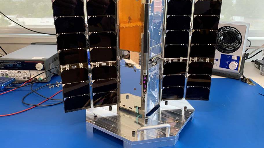 美媒:美国发射纳米卫星助力导弹防御