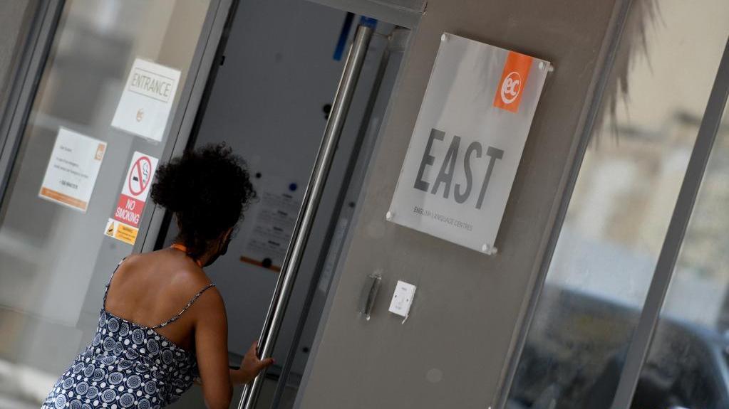 马耳他将关闭全国所有英语语言学校