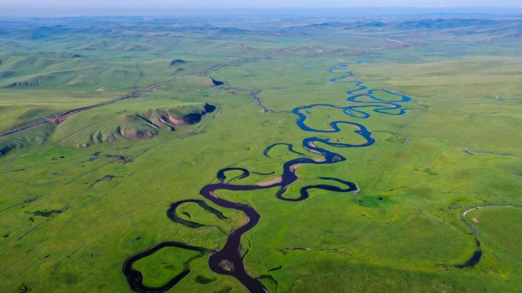 盛夏莫日格勒河
