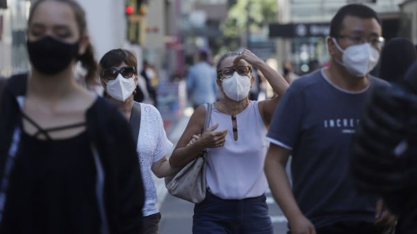 西媒:巴西爆发大规模反总统抗议