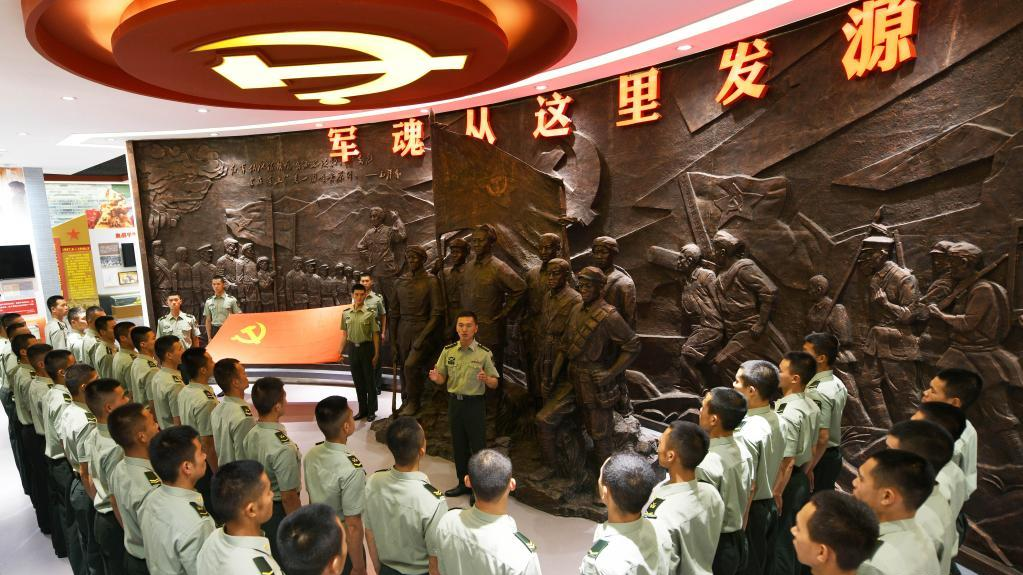 """永远的军魂——陆军第83集团军某旅""""红一连""""锻造红色传人记事"""