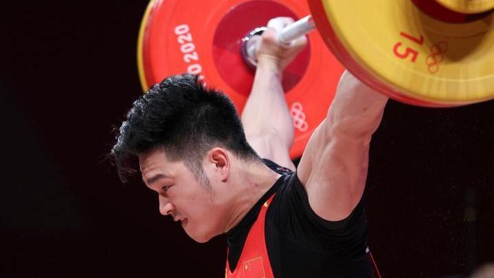 中国选手石智勇夺得男子举重73公斤级冠军
