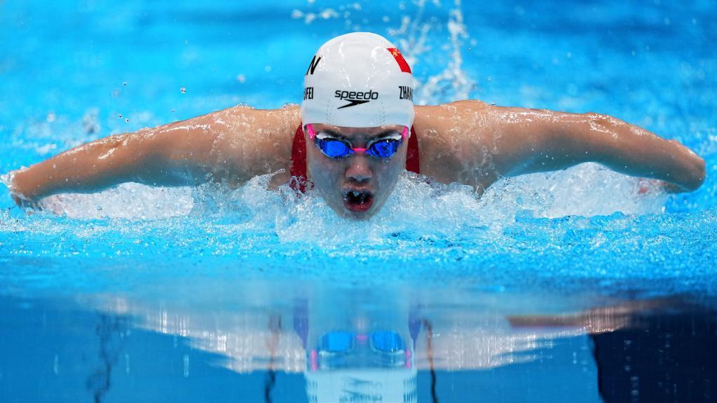 张雨霏女子200米蝶泳夺冠