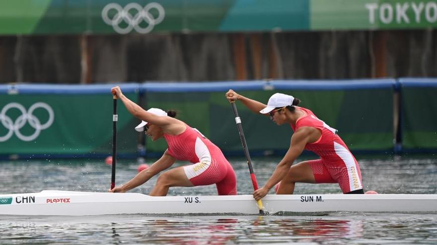 徐诗晓/孙梦雅夺得女子500米双人划艇冠军