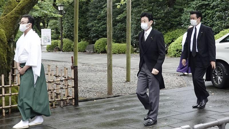 外媒关注:日本多位政要参拜靖国神社 中方作出愤怒反应