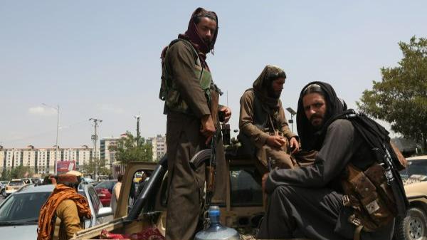 境外媒体:勇访塔利班女记者离开阿富汗