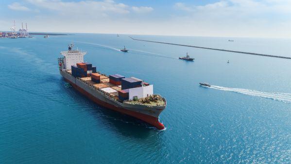 境外媒体关注:中国为外国船舶进领海立新规