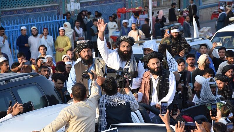 前方挑战重重 英媒:塔利班享受胜利时刻