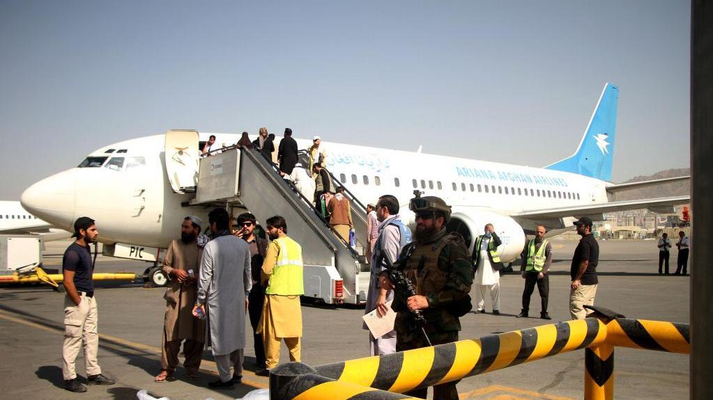 阿富汗:重启国内航线