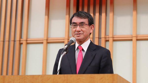 日本民调显示:河野太郎更受年轻人欢迎
