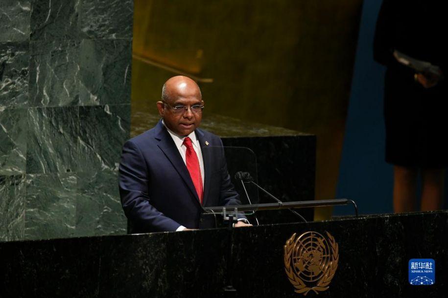 9月14日,在位于纽约的联合国总部,第76届联合国大会主席阿卜杜拉·沙希德在第76届联大第一次全会上致辞。第76届联合国大会14日在纽约联合国总部开幕。新华社发(联合国供图/埃万·施奈德摄)14
