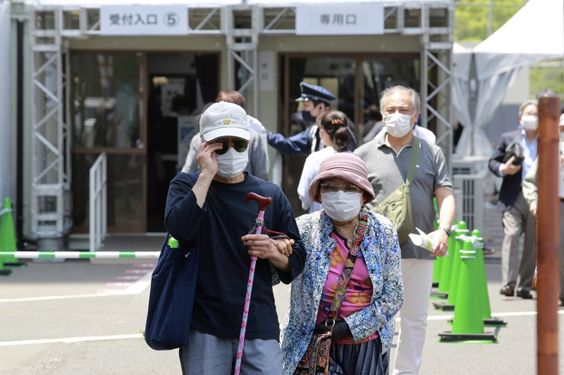 日本百岁老人人数创新高 日式养老并不完美