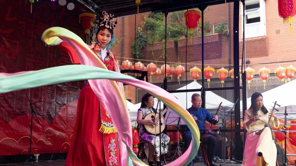伦敦:中国城举行中秋节庆祝活动