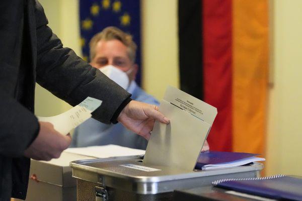 """外媒:德国大选拉开帷幕 开启""""后默克尔时代"""""""