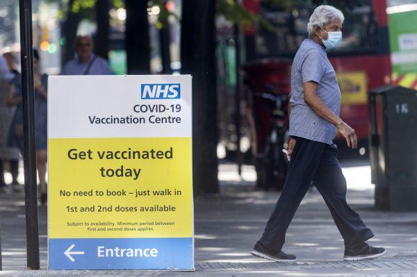 外媒:英国日增新冠死亡病例创3月以来新高