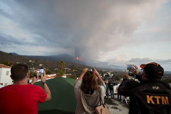 西媒:火山喷发带火西班牙拉帕尔马岛旅游业