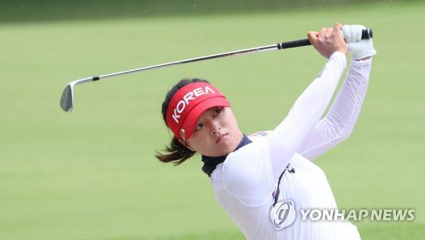 获第10个美巡赛冠军:韩国高尔夫女球星卫冕奠基人杯