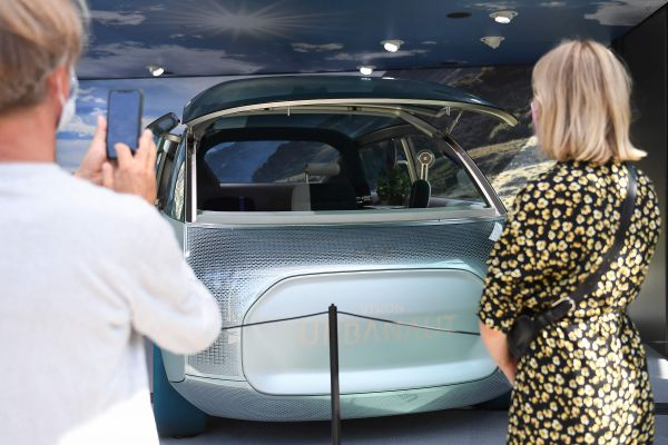 彰显现代感?宝马邀请汉斯·季默为新款电动车打造个性配音