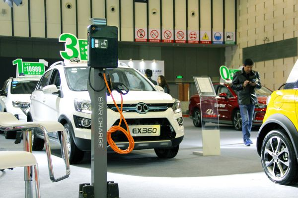 中国8月新能源车产销量均超30万辆 或提前实现2025愿景目标